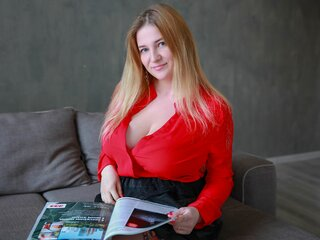Toy free camshow CurvyIsa